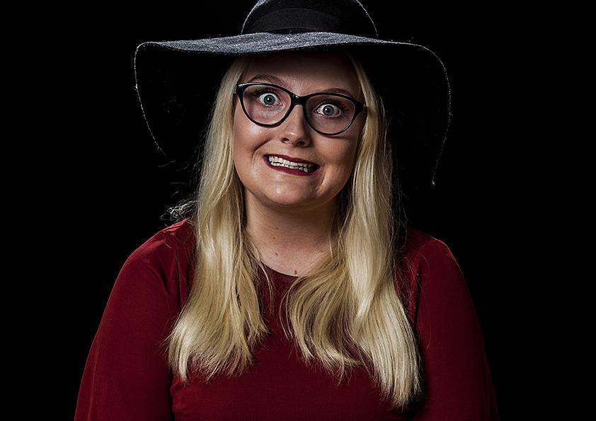 PSYKOPATISK OG MANIPULATIV: Lone Engbråten Spiller Den Psykopatisk Og Manipulerende Sylvia I «Årets Medarbeider». Pressefoto.