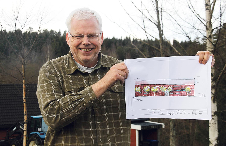 PRIMUS MOTOR: Jan Marcussen Er Primus Motor For å Få Lingard Skutesamling Frem Fra Glemselen. Foto: Anita Johnsen