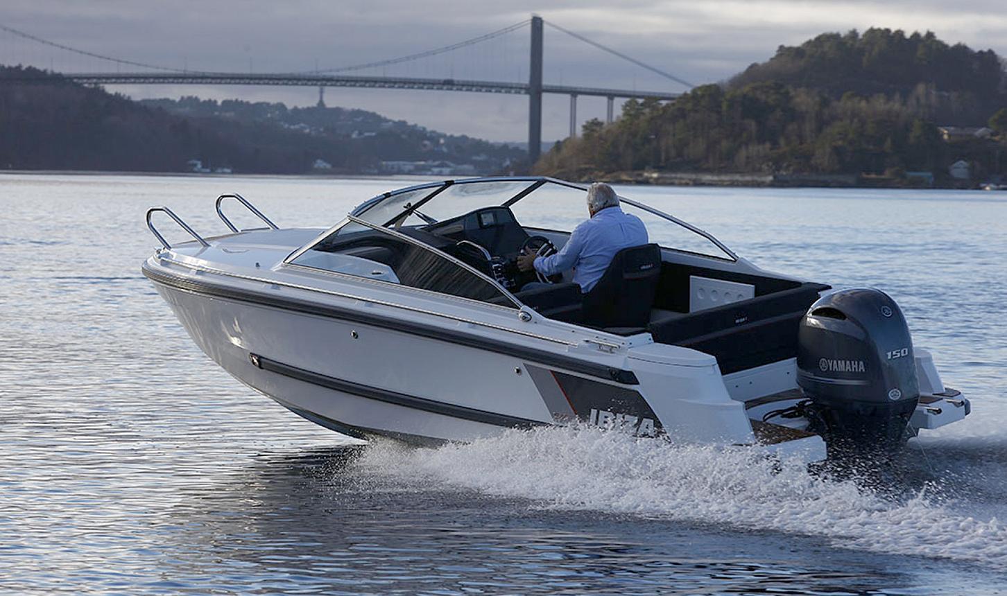 IBIZA 640 TOURING: Helge Duus Ved Ibiza Boats Demonstrerer Nye Ibiza 640 Touring I Galtesund I Arendal. Foto: Ibiza Boats