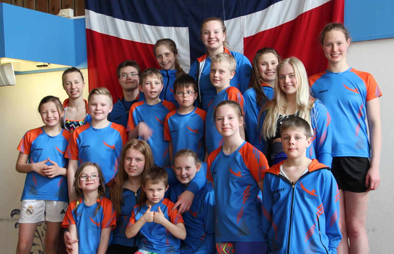 GODT NM: De Tjue Utøverne Fra Arendal Svømme- Og Livredningsklubb Gjorde Et Solid NM. Foto: Beate H. Boye