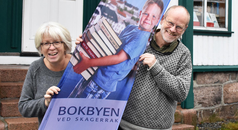 BOKBYEN: Solveig A. Røvik Og Jan Kløvstad Inviterer Til Litteraturfestivalen Bokstavelig Talt I Tvedestrand Denne Helgen. Foto: Privat