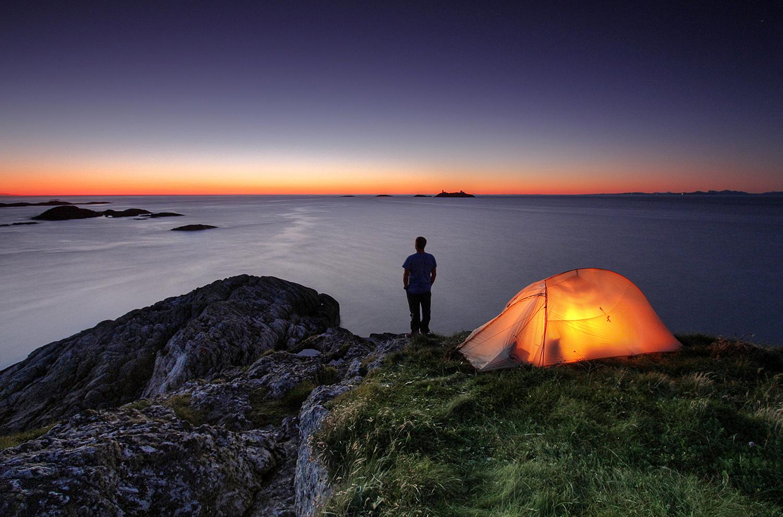 #NATTINATUREN: Lørdag Vil Norske Hager, Skoger Og Fjell Fylles Med Telt, Under Den årlige Sove-ute-aksjonen #nattinaturen. Foto: Ola Moen / Fjord Images