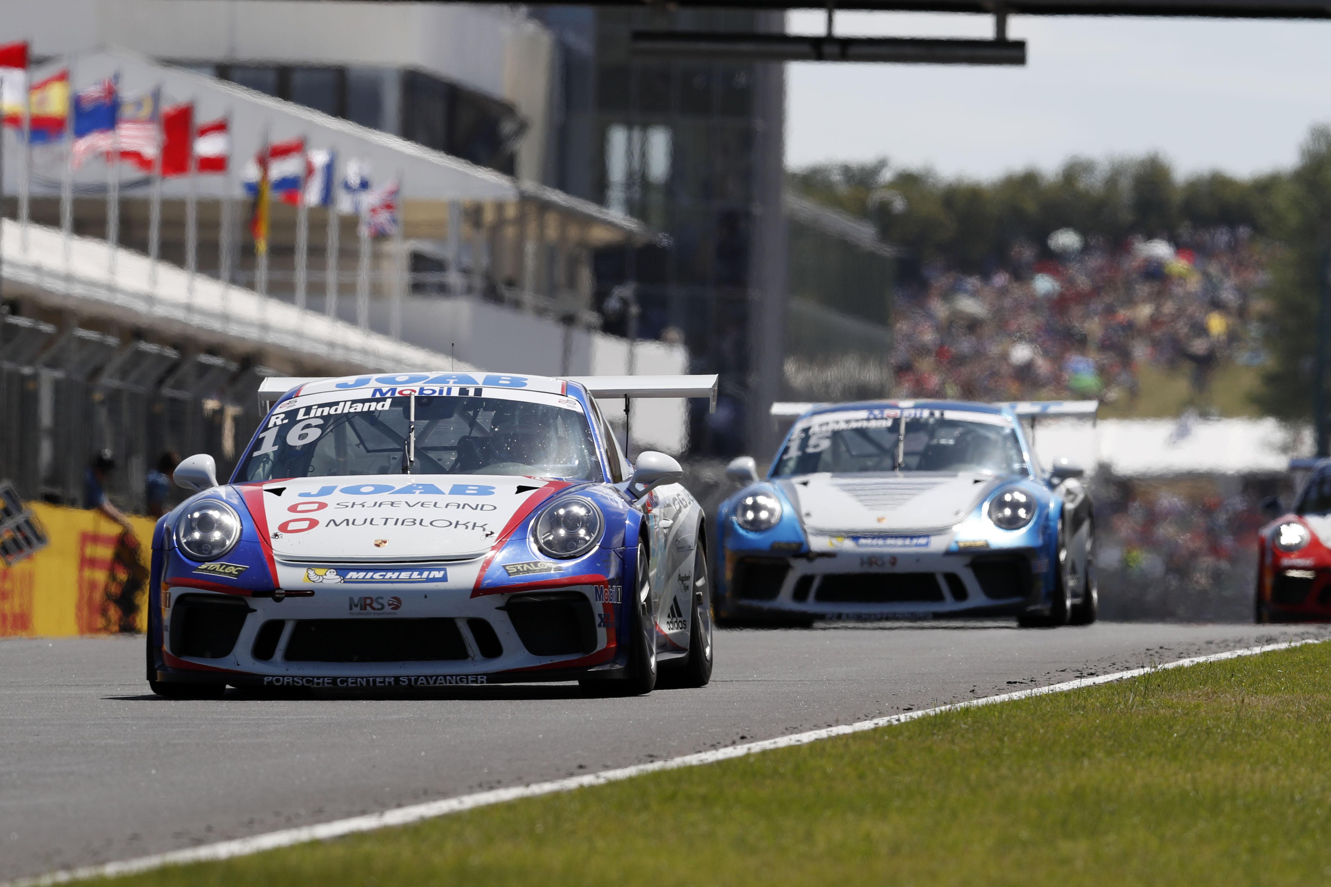 Roar Lindland Tok En Overlegen Seier I Kategori B Da Porsche Supercup Gjestet Hungaroring Utenfor Budapest. Pressefoto.