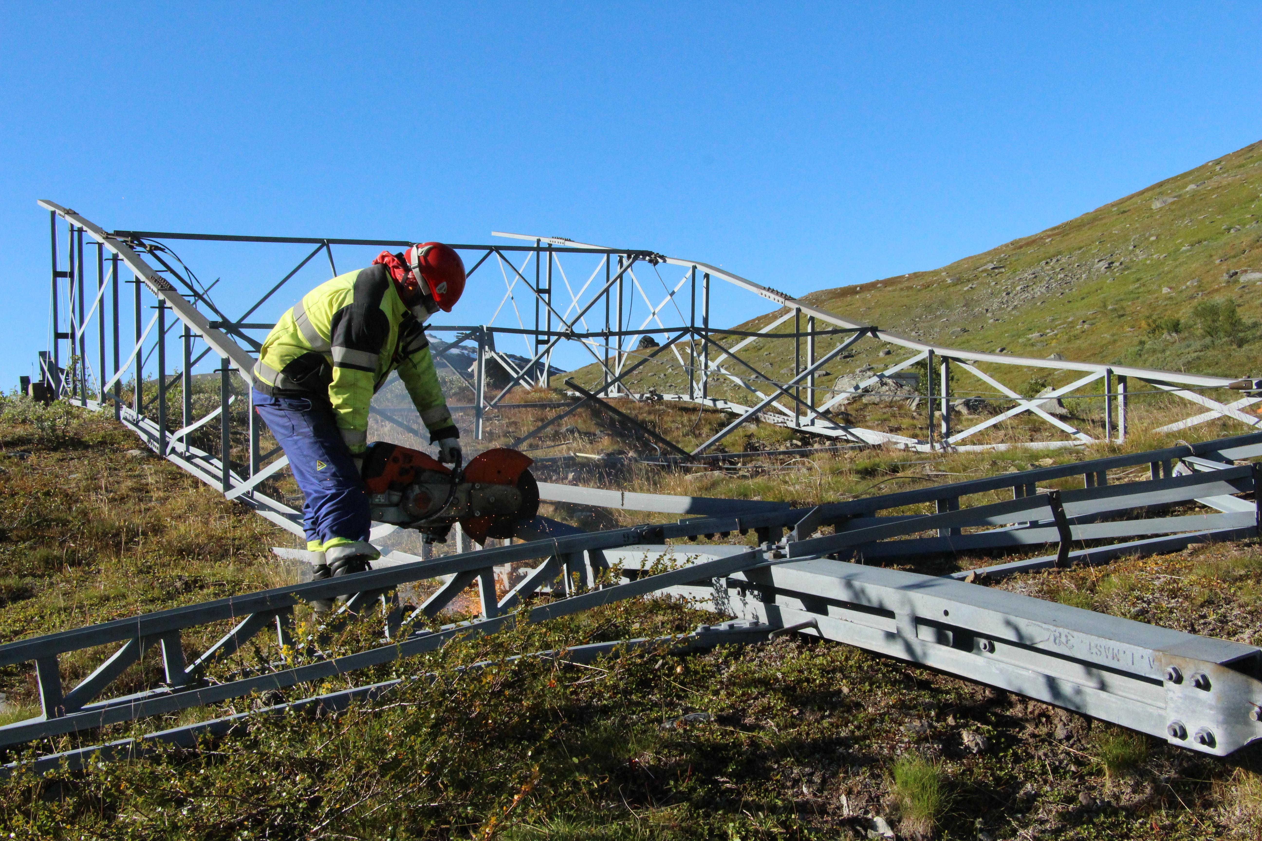 100 Km Med Overflødig Strømledning Rives Nå I Nord-Norge. Her Blir Det Igjen Urørt Natur. Foto: Newswire