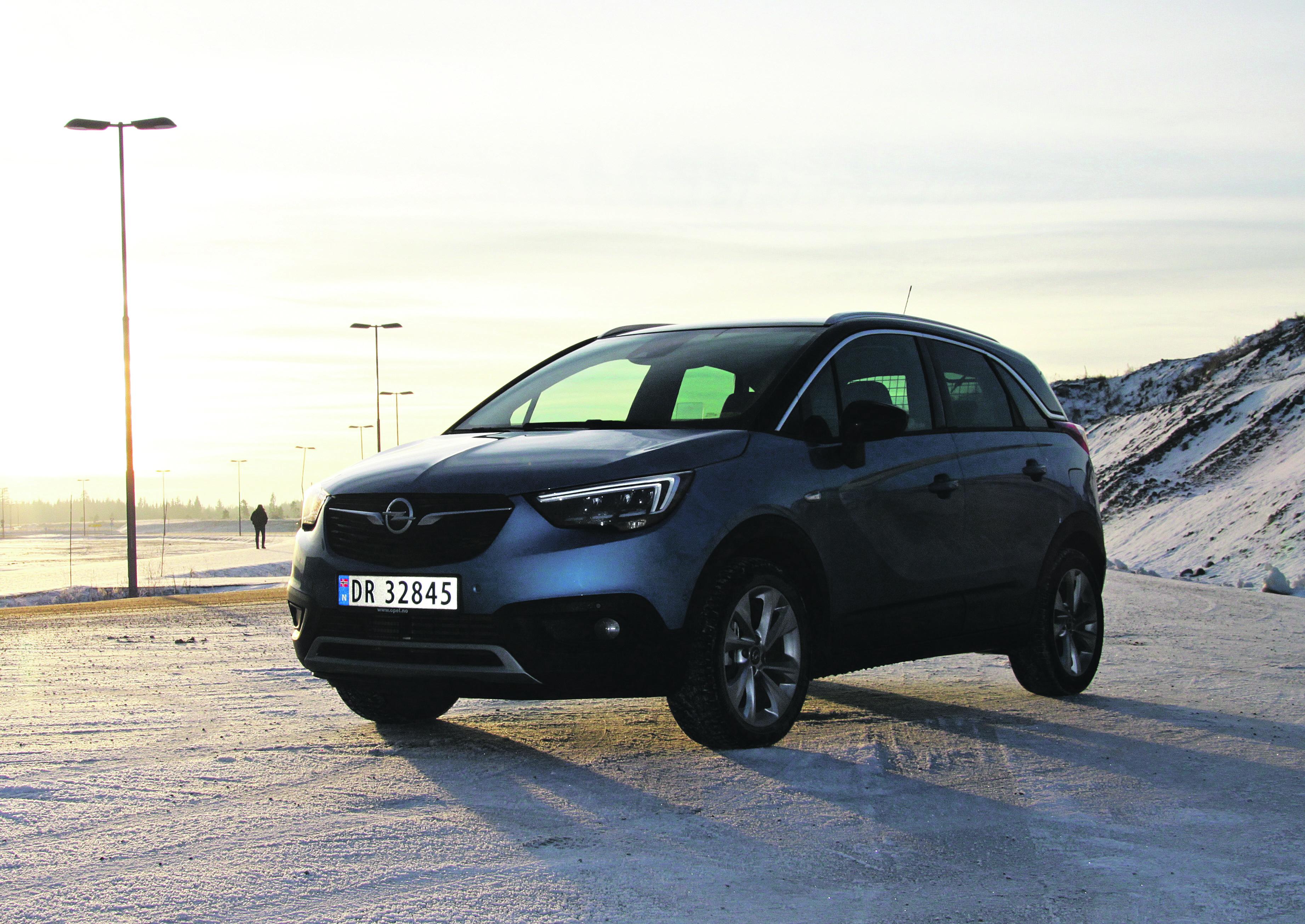 KOMPAKT: Opel Crossland X Er 421 Centimeter Lang. En Ganske Liten Bil Som Opel Kaller En Crossover Med SUV-design.  Foto: Morten Abrahamsen / NTB Tema /