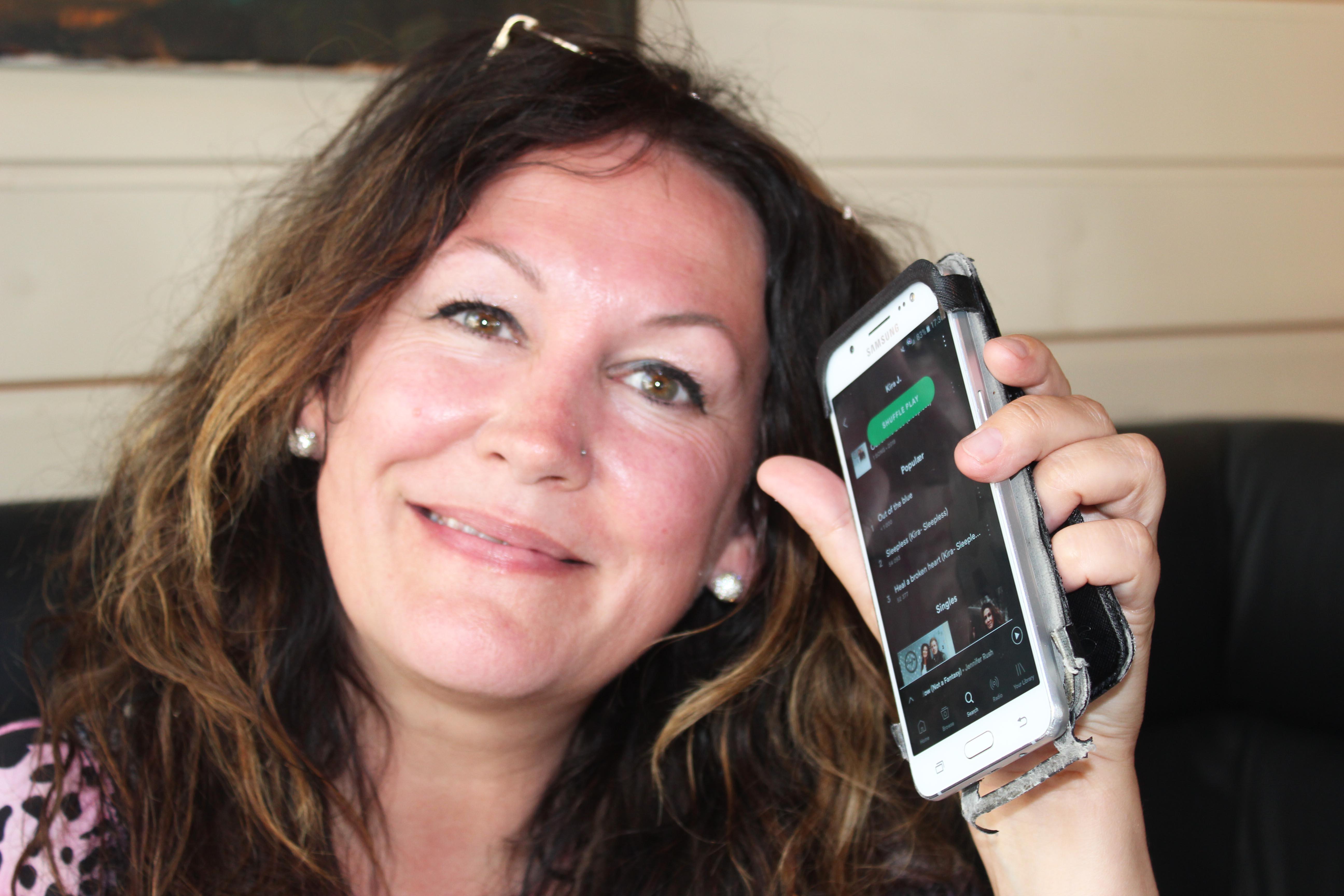 Kira J Har I Løpet Av Det Siste året Gitt Ut Tre Singler På Spotify.