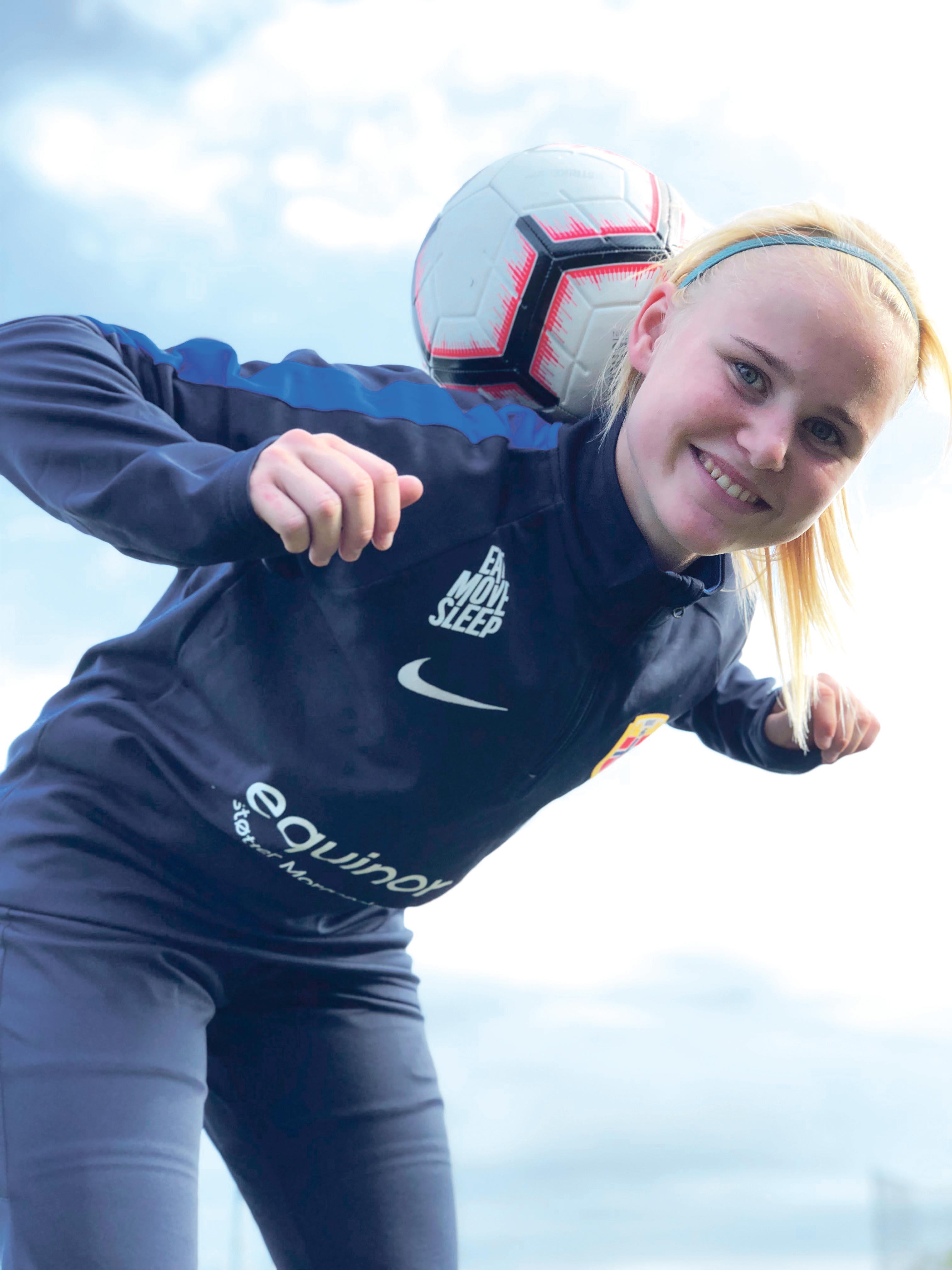 TALENT: Sara Tønnesen Fra Randesund IL Er Nominert Som årets Fotballspiller. Foto: Jonas Veka Tretli.