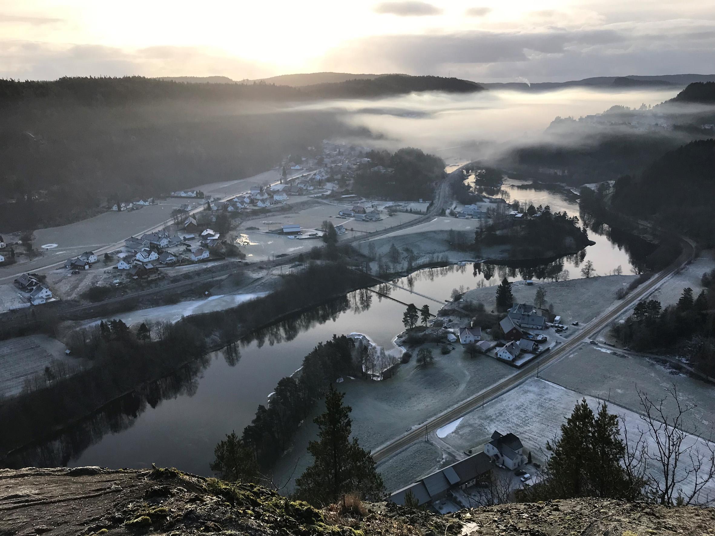 NIENDE TOPPTUR: Utsikt Fra RavnåstippenFoto: Kristin Tverberg