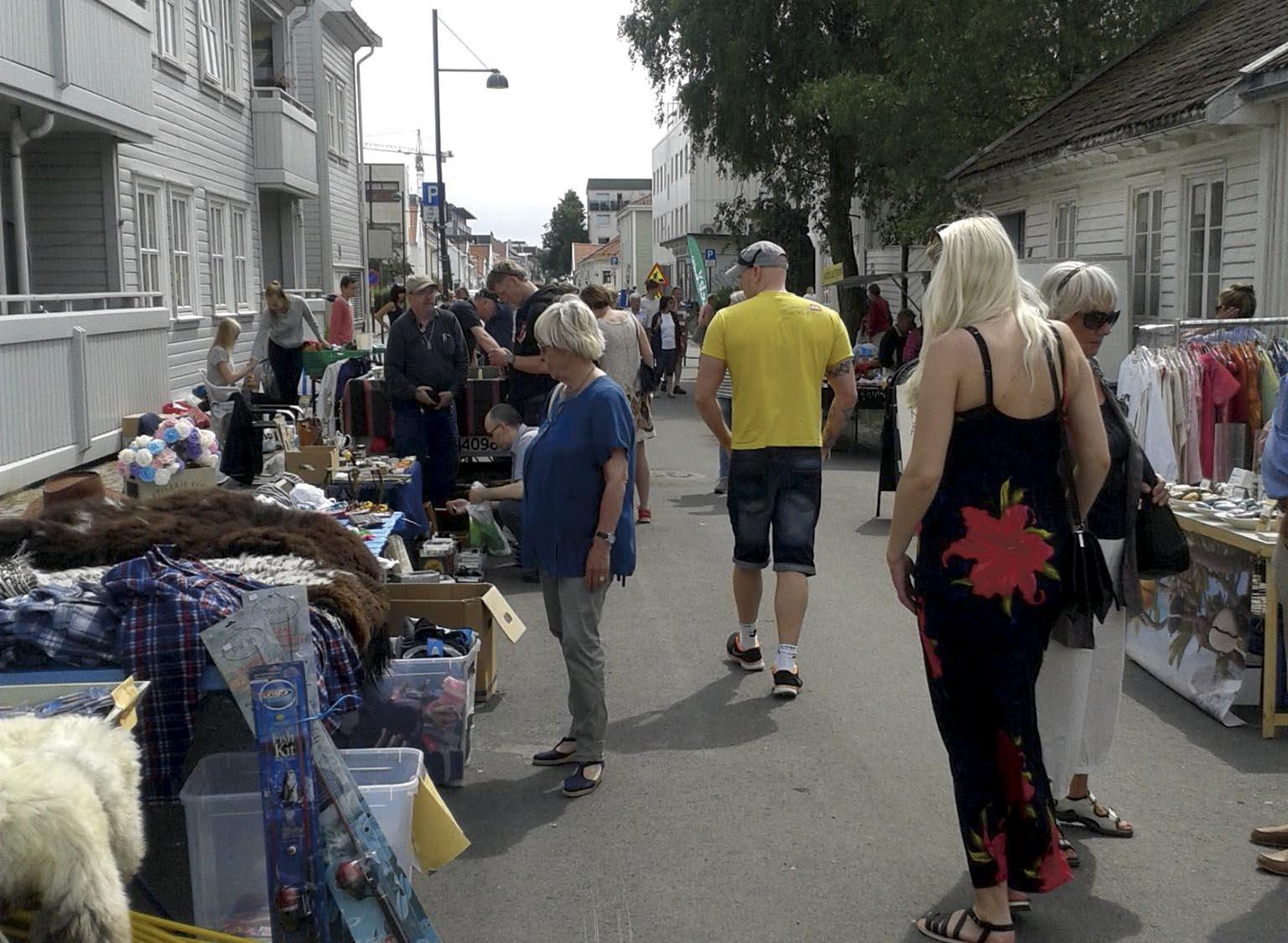 ÅPNET IGJEN: Posebymarkedet Har åpnet Igjen. Hver Lørdag Frem Til 11. August Vil Du Finne Lopper  Og Andre Kuriositeter Her.