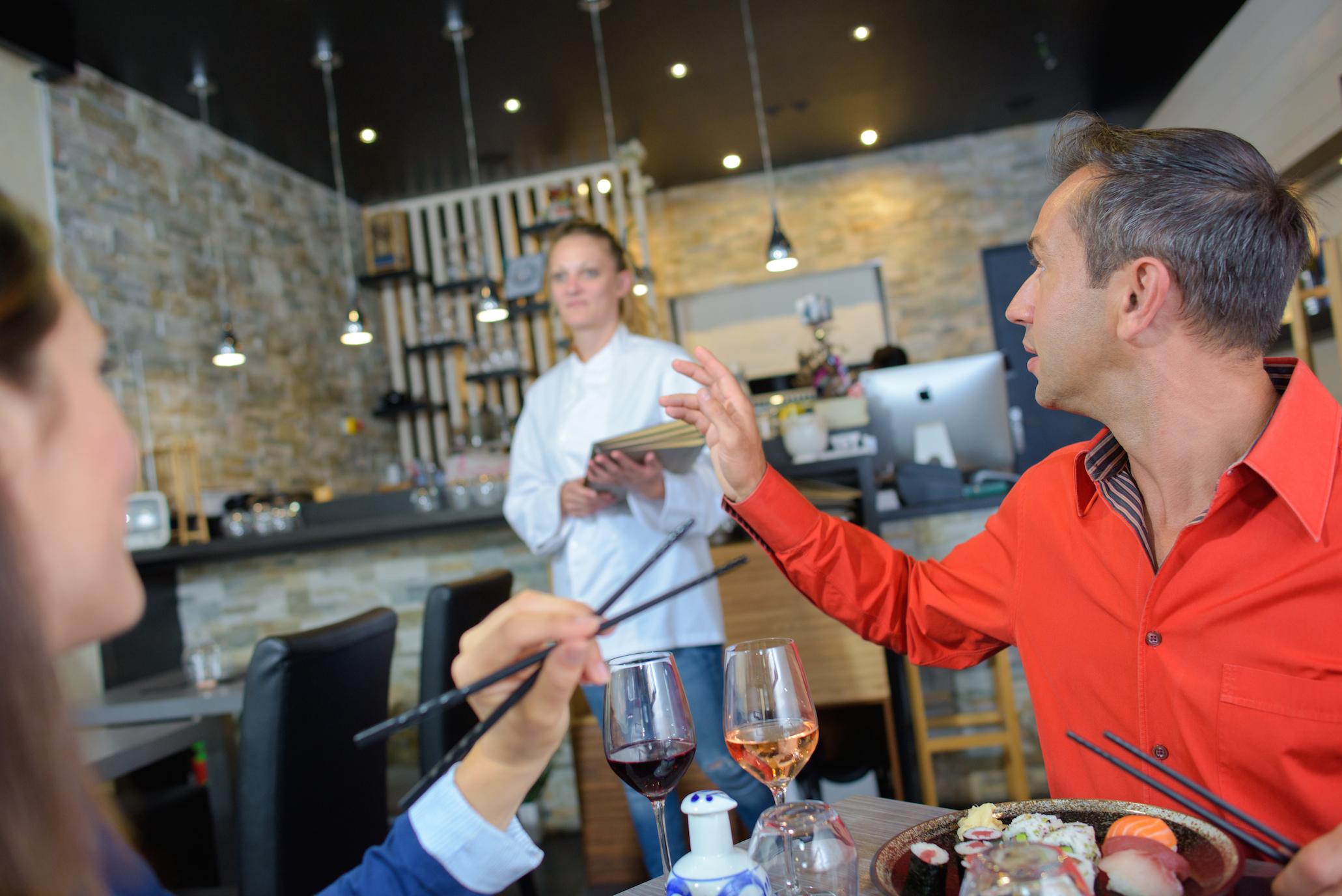 NEKTET: En Restaurant I Bergen Som Drives Av En Sørlending, Nekter å Servere Utenlandske Turister Av Frykt For Coronasmitte. Foto: Illustrasjonsbilde Av Phovoir/ Colourbox.